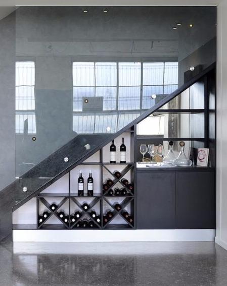 escalier cave vin cool creer une cave a vin escalier. Black Bedroom Furniture Sets. Home Design Ideas