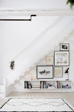 déco salon sous escaliers