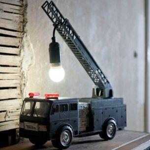 camion lampe de chevet