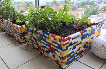 pot de fleurs lego